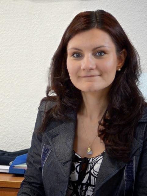 <b>Melanie Ulrich</b> Assistentin der Geschäftsleitung und &quot;Weidaer Wochenblatt&quot; - Melanie3-004